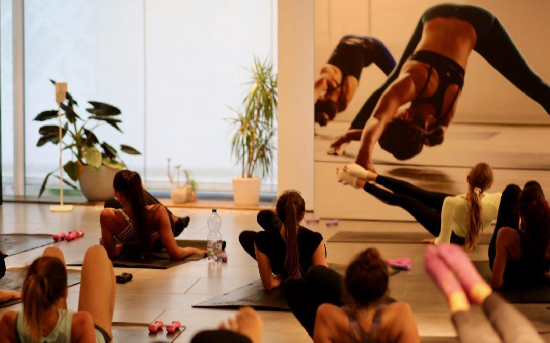 Barre Intensity® community class at lululemon